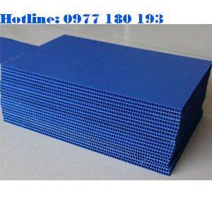 Tấm nhựa danpla màu xanh dương. Kích thước: 1220x2440mm Độ dày: 1mm - 2mm - 3mm-4mm-5mm
